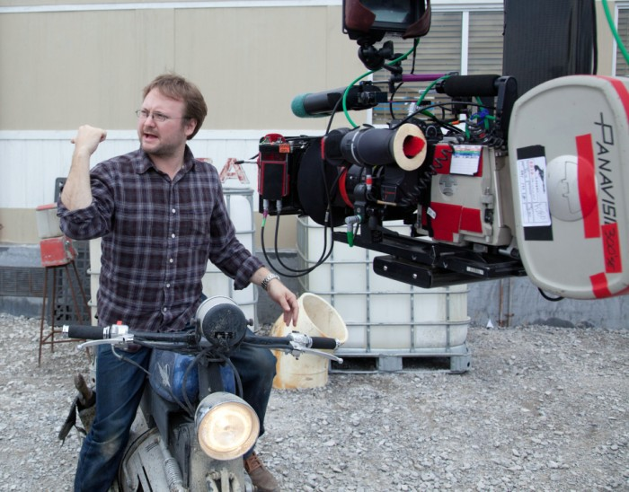Rian Johnson am Set von »Looper« (2012)