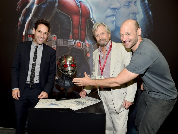 "(L-R) Actors Paul Rudd, Michael Douglas und Corey Stoll beim Panel zu Marvels ""Ant-Man"" während der Comic-Con International 2014 (Photo by Alberto E. Rodriguez/Getty Images for Disney)"